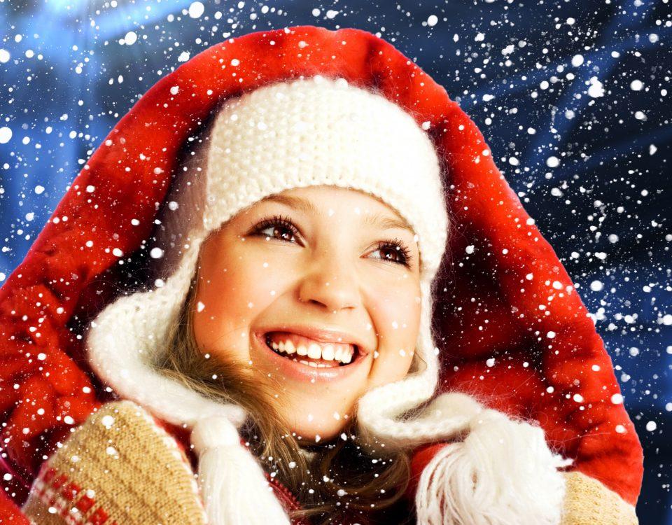 Christmas_Face_Smile_Teeth_Snow_538417_2560x1706
